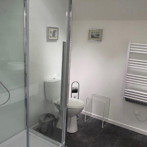 Salle de bain du gîte des Jardins de Mazamet